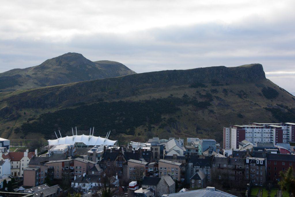 Edinburgh Calton Hill Blick zum Arthurs Seat
