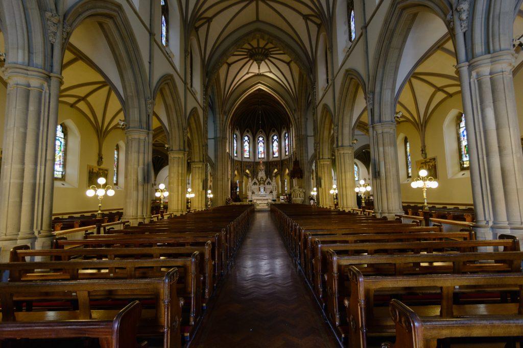Die Kathedrale von Letterkenny von innen