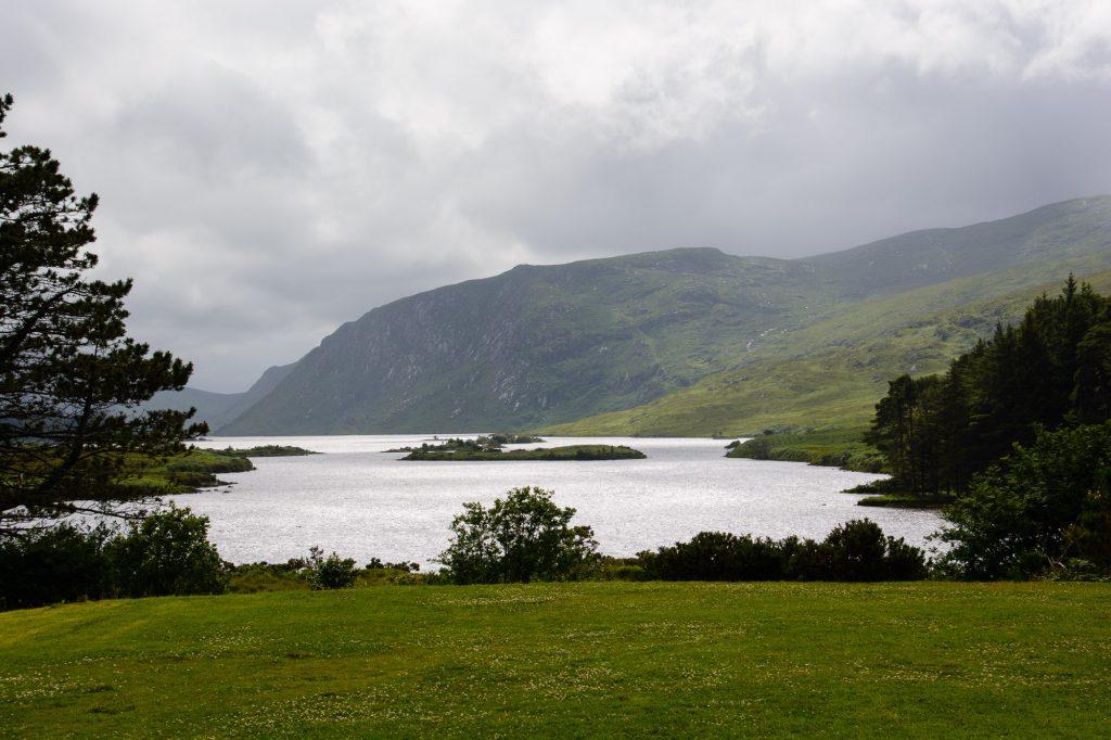Ausblick von Besucherzentrum im Glenveagh National Park