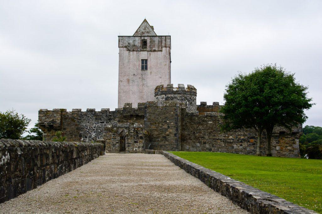 Der Eingang zu Doe Castle
